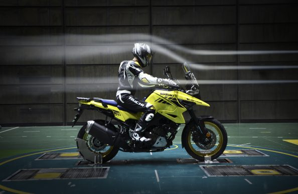 020420-2020-Suzuki-V-Strom-1050XT-wind_tunnel_test