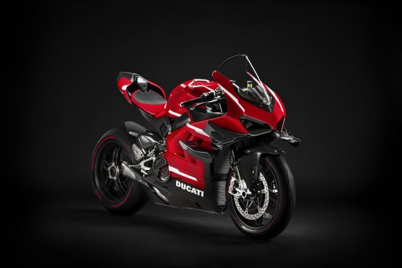020620-01-2020-Ducati-Superleggera V4_UC145951_High