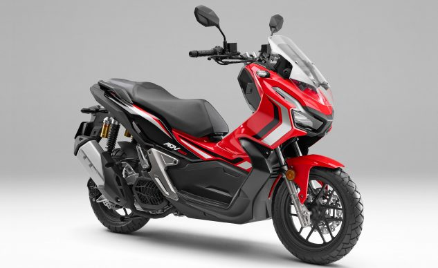 021920-2021-honda-adv150-red-perspective