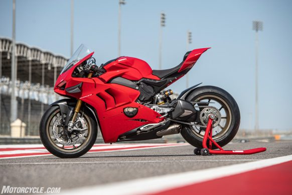 DUCATI PANIGALE V4_PERFORMANCE_STATIC_13-2