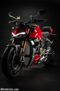 DUCATI_STREETFIGHTER_V4S_18_UC152863_High-2