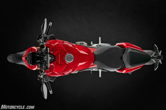 MY20_DUCATI_STREETFIGTHER V4 S_01_UC101685_High-2