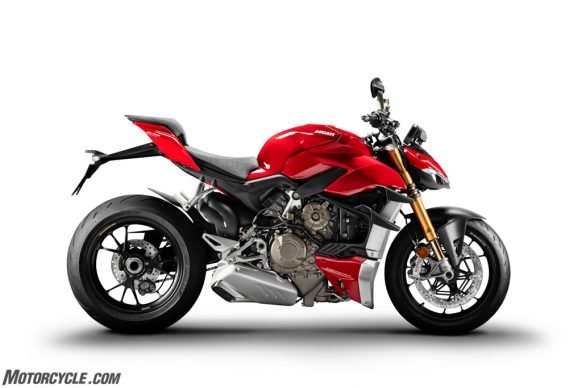 MY20_DUCATI_STREETFIGTHER V4 S_03_UC101684_High