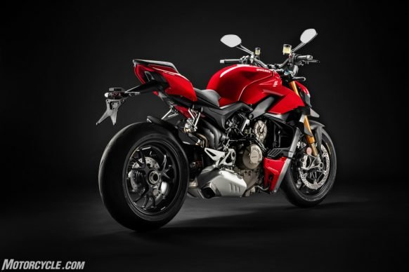 MY20_DUCATI_STREETFIGTHER V4 S_06_UC101691_High-2