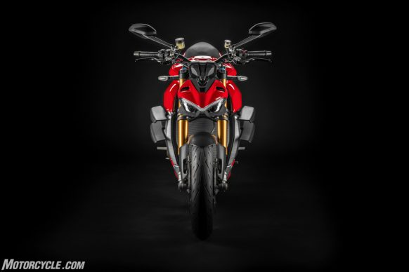MY20_DUCATI_STREETFIGTHER V4 S_09_UC101692_High-2