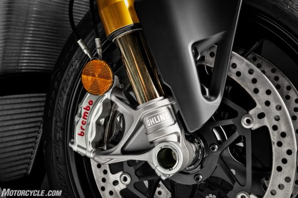 MY20_DUCATI_STREETFIGTHER V4 S_21_UC101704_High-2