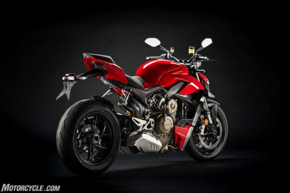 MY20_DUCATI_STREETFIGTHER V4 S_28_UC101712_High-2