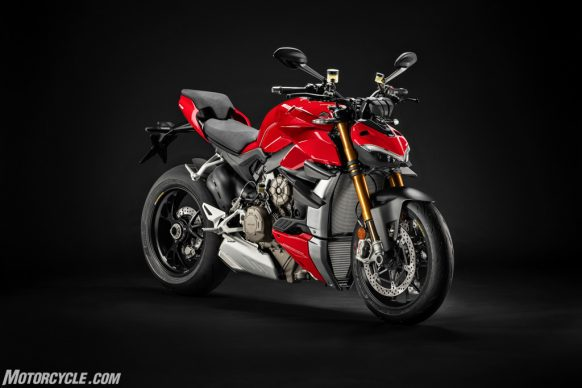 MY20_DUCATI_STREETFIGTHER V4 S_UC147285_High-2