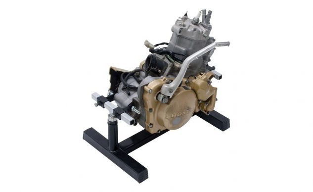 fly_racing_engine_stand