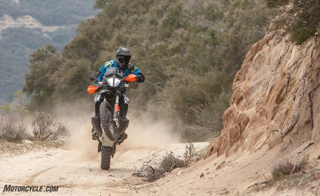 042940-Middleweight-Adventure-Shootout-KTM-790-Adventure-R-_EBB1074