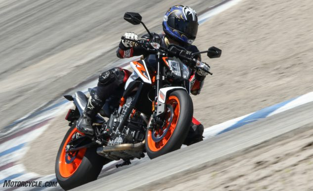 060320-2020-KTM-890-Duke-R-A Group-1pm (Off Ramp)-BW3_6863_1320_May2420_CaliPhoto