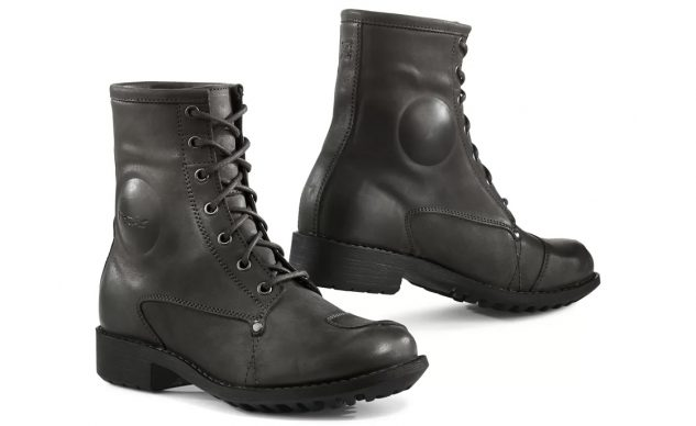 Motorcycle Com S Picks For Best Women S Motorcycle Boots