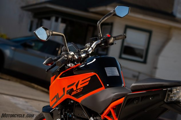 2020 KTM 200 Duke Review