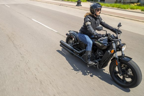 091520-2021-Indian-scout-bobber-sixty_thunder-black_riding_my21_009823