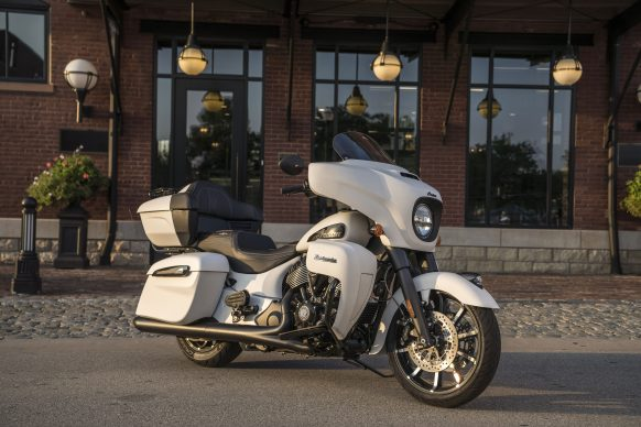 091520-2021-Indian_sgt_bike_as_hero_roadmaster_dark_horse_white_smoke_02940
