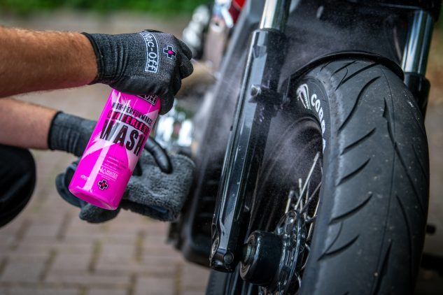 Muc-Off's High Performance Waterless Wash cleans off all manners of light contaminants off your bike.