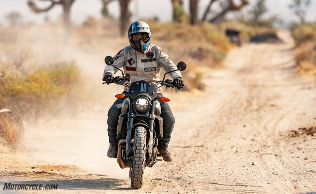 100120-Indian-FTR1200-Rally-vs-Triumph-Scrambler-1200-XC-Indian-_EBB7761