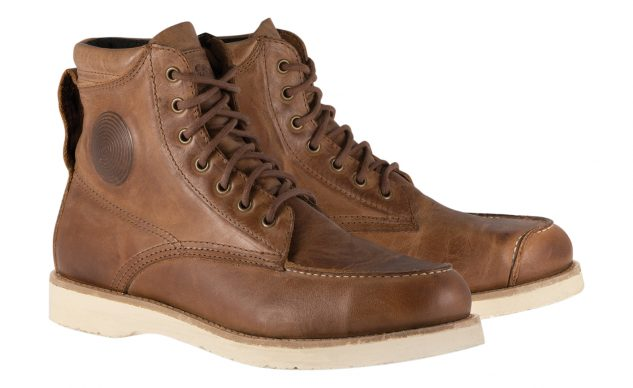 101520-best-boots-for-cruisers-alpinestars-oscar-monty