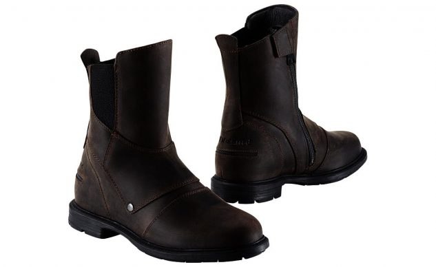 101520-best-boots-for-cruisers-bmw-urban