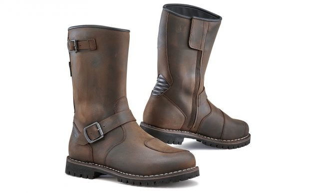 101520-best-boots-for-cruisers-tcx-fuel