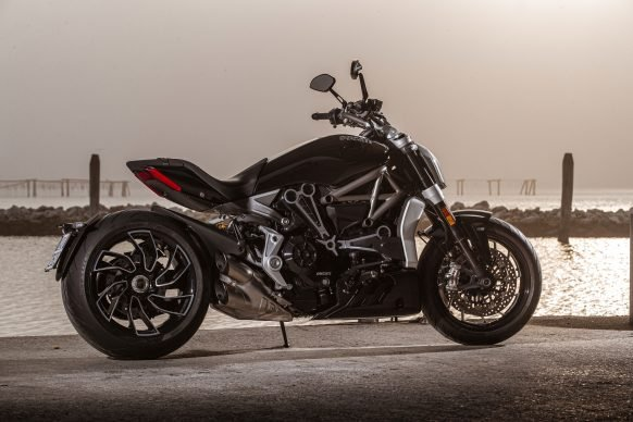 111120-2021-DUCATI_XDIAVEL_S_AMBIENCE_2-UC209702