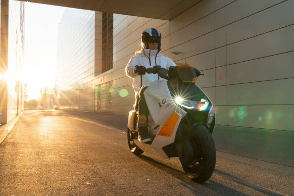 111120-BMW-definition-CE-04-electric-scooter-concept-P90406770
