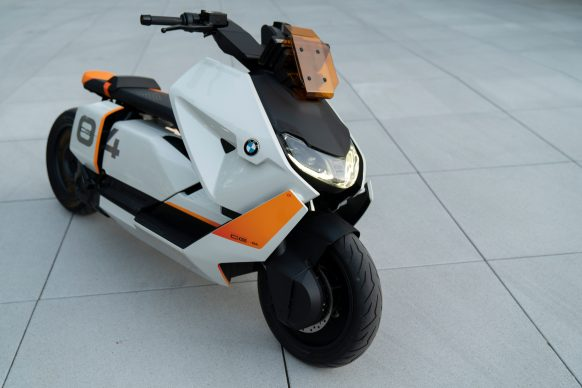 111120-BMW-definition-CE-04-electric-scooter-concept-P90406776