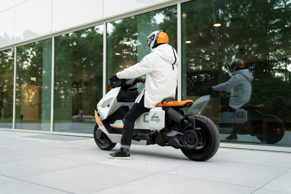111120-BMW-definition-CE-04-electric-scooter-concept-P90406779