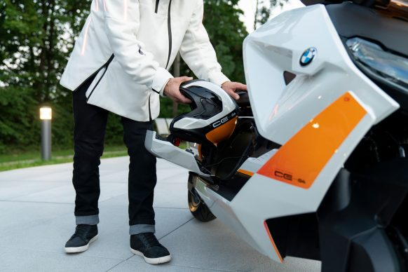 111120-BMW-definition-CE-04-electric-scooter-concept-P90406780