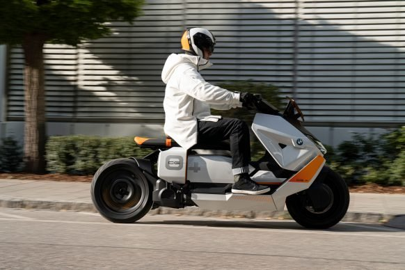 111120-BMW-definition-CE-04-electric-scooter-concept-P90406784