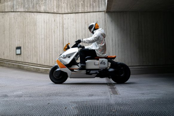 111120-BMW-definition-CE-04-electric-scooter-concept-P90406787