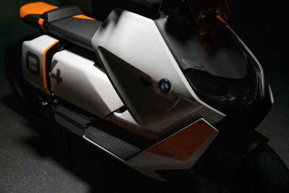 111120-BMW-definition-CE-04-electric-scooter-concept-P90406795