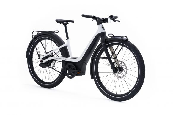 111620-harley-davidson-electric-bicycle-serial-1-RUSH_CTY_STEP_THRU_White_FrontQ