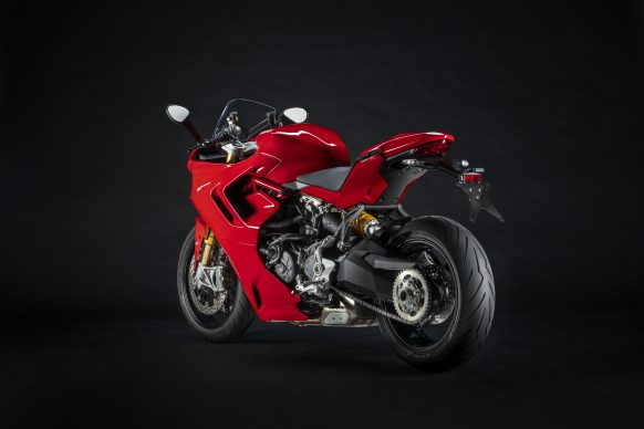 111820-2021-DUCATI_SUPERSPORT_950_S_7__UC211006_High