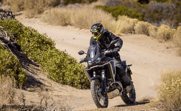 2020-honda-africa-twin-crf1100l-action