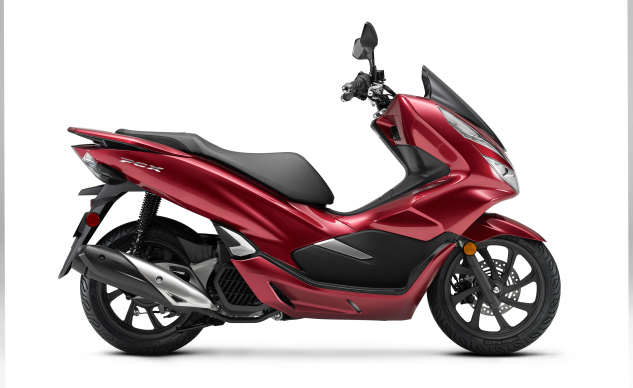120920-2020-honda-pcx-150-comparison