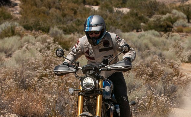 070220-V85-TT-VS-Scrambler-1200XE-Group_EBB4962-feature