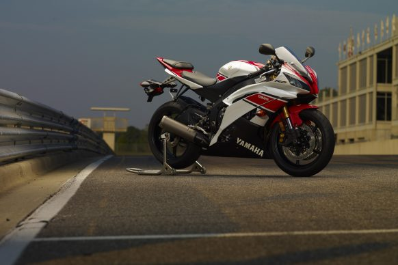 2012 R6 Red_White on Race Stand