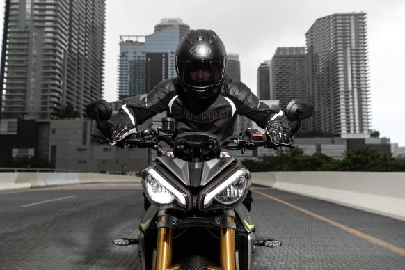 Speed Triple 1200 RS – Hero Riding 15