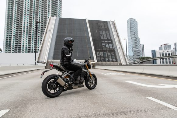 Speed Triple 1200 RS – Hero Static 12