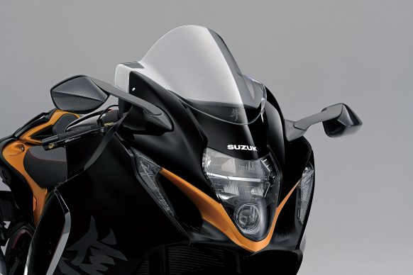 020521-2022-suzuki-hayabusa-touring_screen