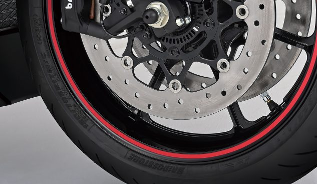 020521-2022-suzuki-hayabusa-wheel_decal_without_logo