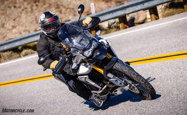 0226210-Middleweight-Adventure-Shootout-Triumph-Tiger-900-Rally-Pro-_EBB1478