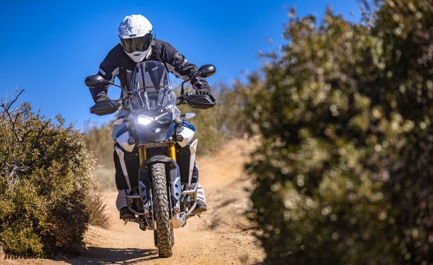 0226210-Middleweight-Adventure-Shootout-Triumph-Tiger-900-Rally-Pro-_EBB2517