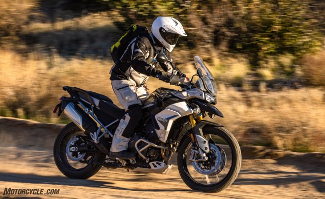 0226210-Middleweight-Adventure-Shootout-Triumph-Tiger-900-Rally-Pro-_EBB2950