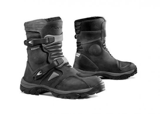 forma_adventure_low_boots_black_750x750