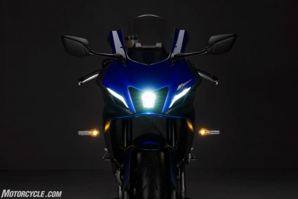 22_YZF-R7_Team Yamaha Blue_Details_COMBINED_IMAGE
