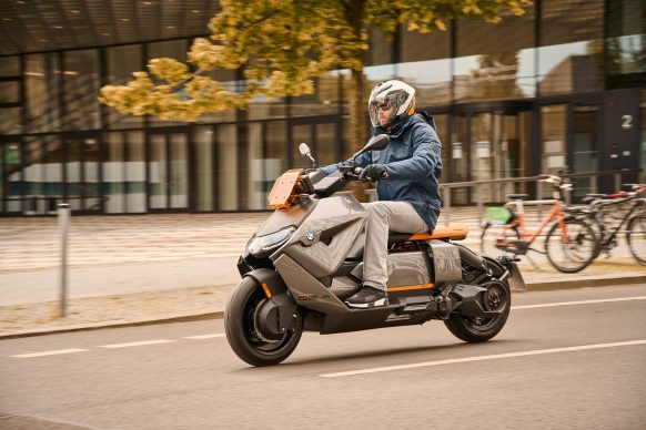070721-2022-bmw-ce-04-electric-scooter-P90428713