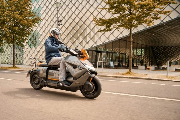 070721-2022-bmw-ce-04-electric-scooter-P90428720