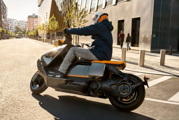 070721-2022-bmw-ce-04-electric-scooter-P90428723